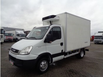 Iveco Daily 35C13 + Manual + Carrier XARIOS 300 - skåpbil med kyl